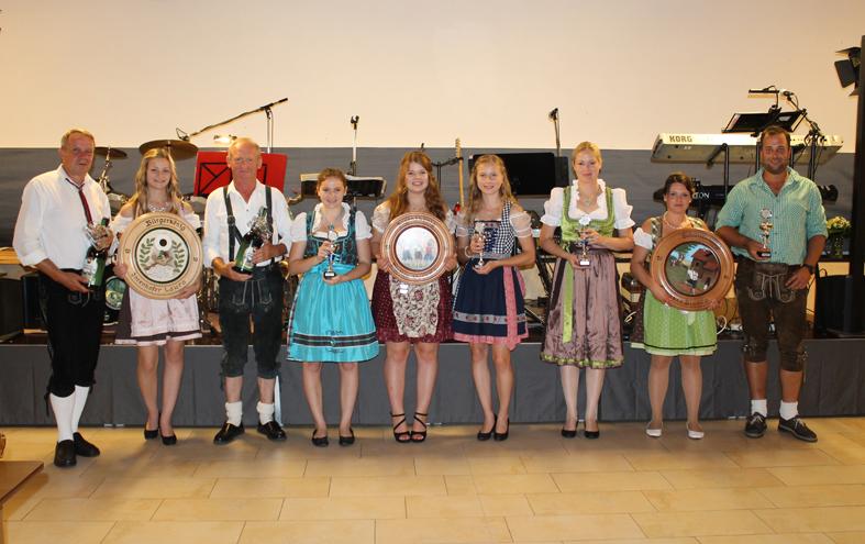 Jugendkönigin Verena Distler / Schützenkönigin Bianca Bschorr / Bürgerkönigin Laura Inzenhofer